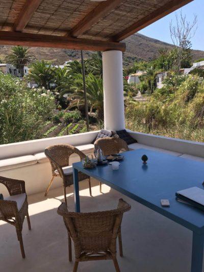 casa-stromboli-sul-mare-sicilia-21