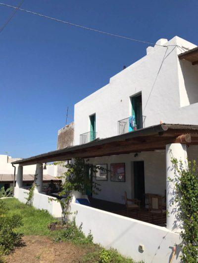 casa-stromboli-sul-mare-sicilia-29