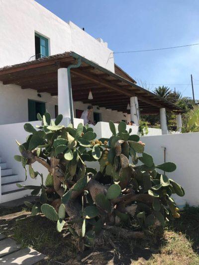 casa-stromboli-sul-mare-sicilia-31
