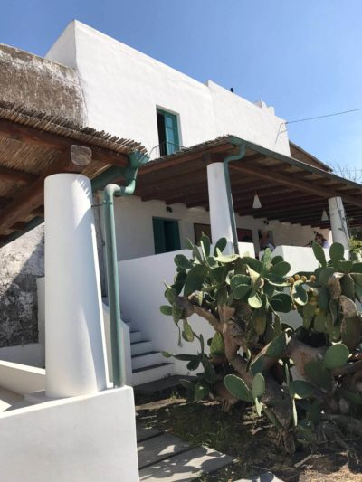 casa-stromboli-sul-mare-sicilia-33
