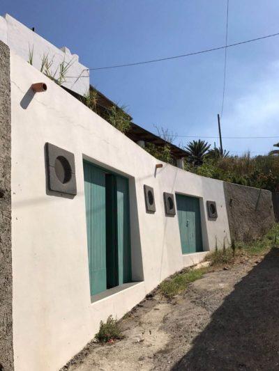 casa-stromboli-sul-mare-sicilia-35
