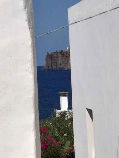 casa-stromboli-sul-mare-sicilia-38